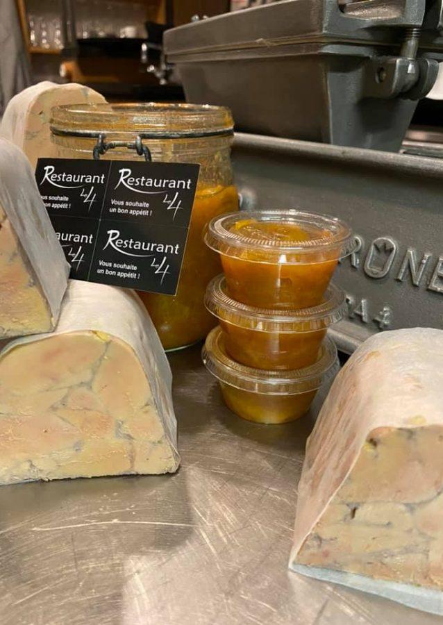 Nous préparons une tournée de foie gras de canard français IGP à emporter, en drive au restaurant Le 4 Mulhouse Centre